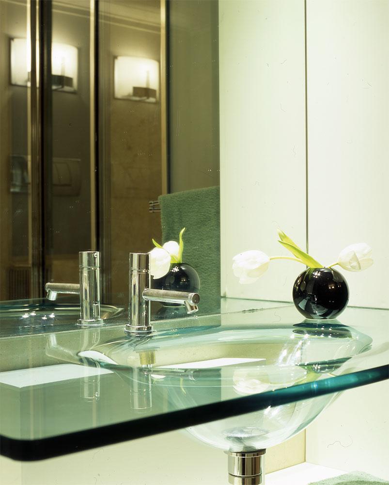 Arredo bagno in vetro box doccia su misura in vetro - Arredo bagno montebelluna ...