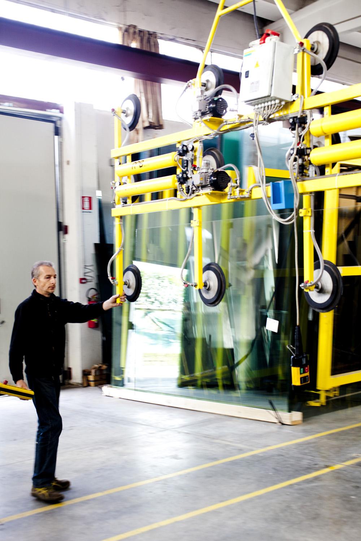 Taglio vetro su misura vetreria bazzanese for Vetro sintetico su misura