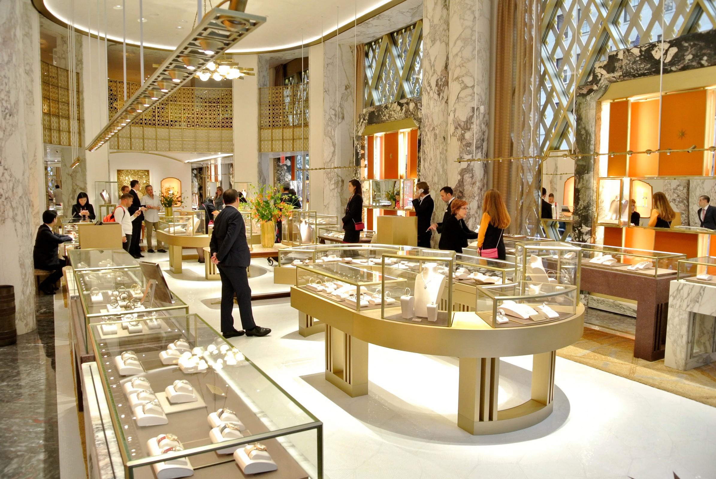 Latest works bulgari flagship store in new york for Arredamento in vetro